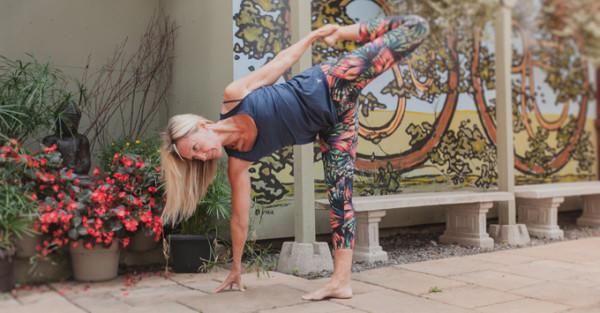 PranaShanti Teachers - Laurie Howe - Yoga Studio Ottawa